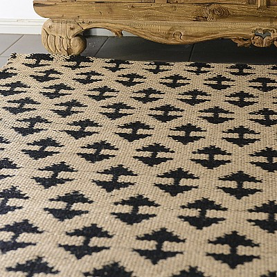 "Jute Flatweave ""Arrow"" in Black"