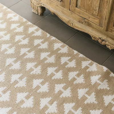 "Jute Flatweave ""Arrow"" in White"