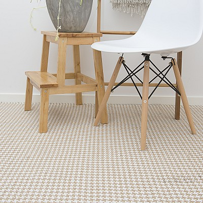 "Jute Flatweave ""Houndstooth"" in White"