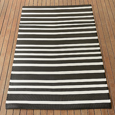 150x220cm Black/White Lines Outdoor Alfresco polypropylene washable uv resistant rug