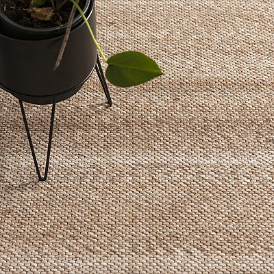 "Hand Woven Jacquard Rug ""Signature"" in Brown"