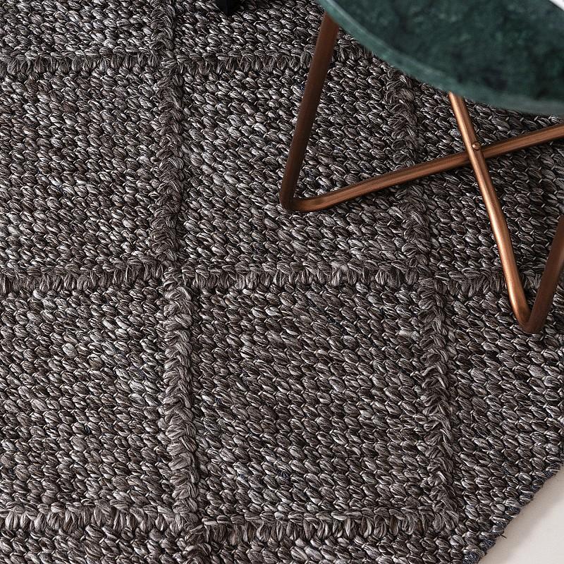 "Hand Made Wool-Blend Rug ""Crossroads"" in Trunk Grey"