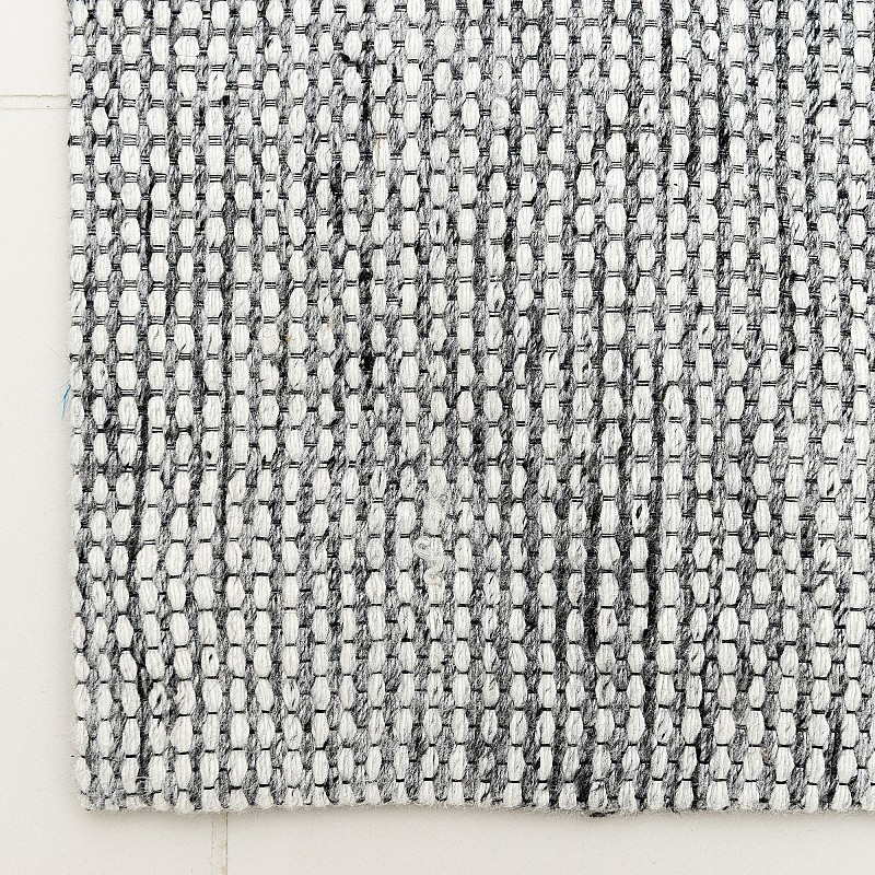 Handwoven Jacquard Rug Oslo in Silver