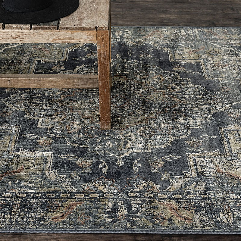 "Power-loomed soft polypropylene distress/vintage look rug ""Cavalli 81B"""